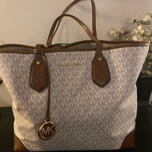 Auth MK Tote w/ Croc Trim AND Matching Wallet!!!!